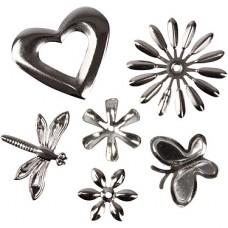 Metalen decoraties met bloemen